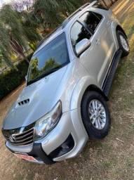 HILUX SW4 SRV TURBO  DIESEL 4x4 AUTOMÁTICA 2013
