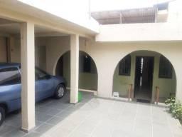 Vende-se casa grande em Itapecerica da Serra.