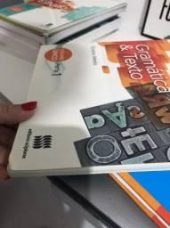 Livro de gramatica/ redação.