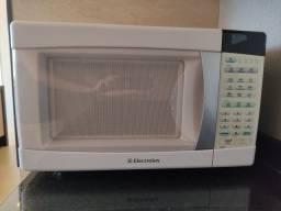 Micro-ondas Electrolux 28 L