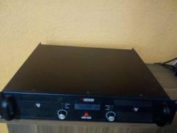 Amplificador Novik 2.5000 rms