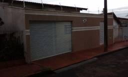 aluga-se casa em Ituiutaba (MG).