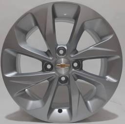 Vendo Jogo de roda original onix aro 15. 2 meses de uso.
