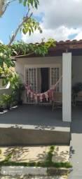 Vendo casa reformada em condomínio na Ayrton Sena