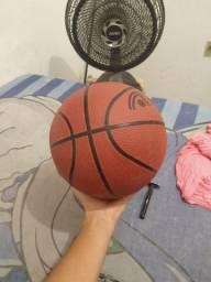 Título do anúncio: Bola de basquete original, Adams, comprada na Centauro