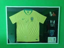 Camisa autografada pelo Neymar