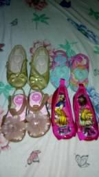 Vendo esses sapatinhos bem conservados não posso entregar só facilito