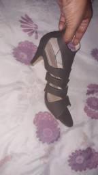 Vendo esse sapato nunca usado