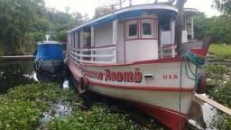 Vende ou troca-se este lindo barco em retro escavadeira ou caçamba