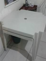 Vendo 2 mesas 8 cadeiras