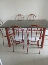 Mesa de granito 6 cadeiras bem conservada
