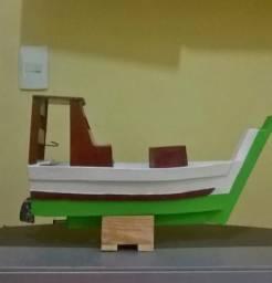 Replica de barco de pesca artesanal 70 reais