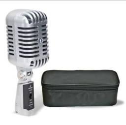 Microfone vintage arcano