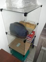 Expositor de vidro com 4 divisórias R$ 40,00