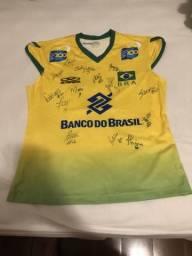 3c3f87b061b78 Camisa Autografada Seleção Vôlei Feminino