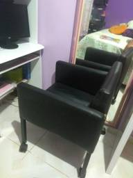 Cadeira escritório em couro preta