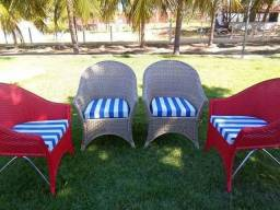 Cadeiras com armação em alumínio