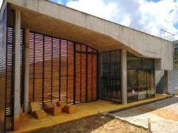 Casa a venda moeda/mg mobiliada 3 quartos suíte 5 vgs piscina
