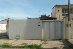 Casa à venda no bairro Jardim Bandeirantes - Maracanaú/CE