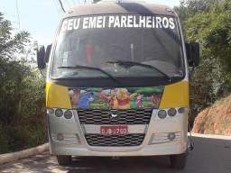 W08 on 44lugar ônibus no documento escolar