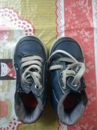 Sandálias e tênis a partir de 5 reais
