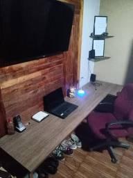 Mesa em MDF + Cadeira , muito novo !!