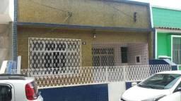 Casa em condomínio de frente em Olaria