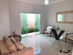 Casa em lote de 450m² no bairro Divinéia | Ótima localização | Unaí/MG