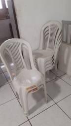 Vendo 2 mesas e 8 cadeiras