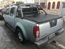 Nissan Frontier 2009 automática R$ 62000 troco strada saveiro uno
