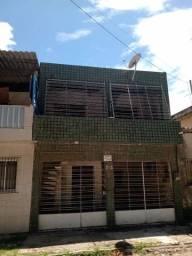 Casa duplex com garagem rua ótima