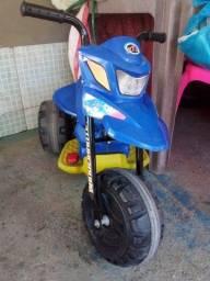 Moto Elétrica 6V Bandeirante Azul infantil