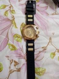 Desempregada vendendo urgente relógio masculino