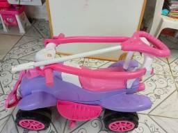 Quadriciclo infantil calesita
