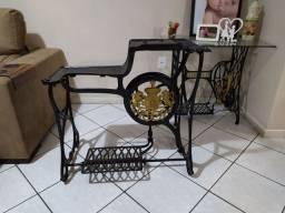 Pe de máquina de costura sapateiro antigo importado