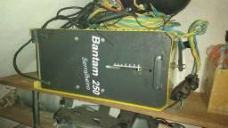 Título do anúncio: Máquina Transformadora de Solda 250A Bivolt Super Bantam 260 Plus - ESAB-<br><br>