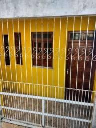 Título do anúncio: Casa 2/4 ampla Itapua ótima localização