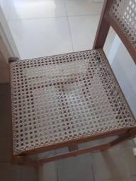 Título do anúncio: 4 cadeiras de madeira e palhinha. (Usadas)