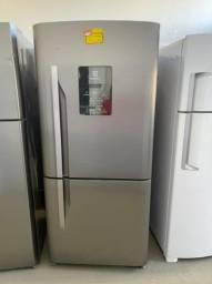 Geladeira Electrolux inox 598 litros 220v