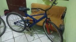 Bicicleta com amortecedor funcionando tudo