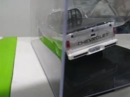 Miniatura da D20 cabine simples