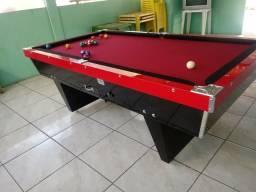 Mesa de sinuca modelo de bar
