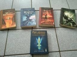 Vendo diversos livros