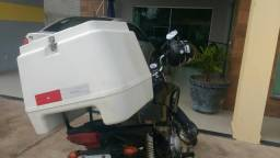 Vendo esse Bau para moto