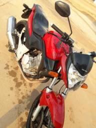 Vende-se uma uma moto galera a moto está em Manuel Urbano - 2011