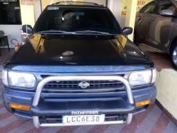 Nissan Pathfinder - 1997