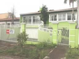 CASA no bairro Guabirotuba, 5 dorms, 4 vagas - cs00104