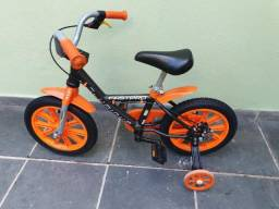 Bicicleta aro 14 muito nova