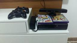 Xbox 360 Super Slim 500Gb c/ Kinect