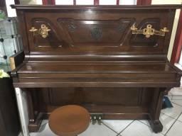 Piano vertical F.Essenfelder